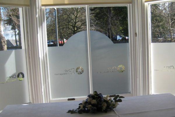 window4-815x458